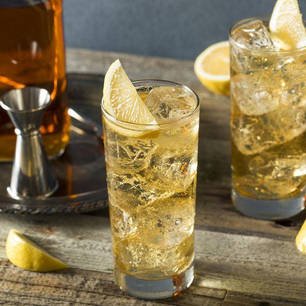 highball-with-lemon