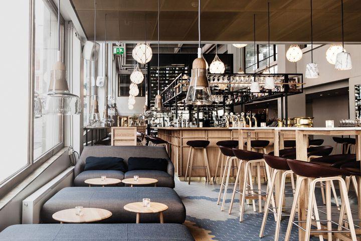 Bar Bronda interior