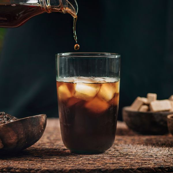 pouring-cold-brew