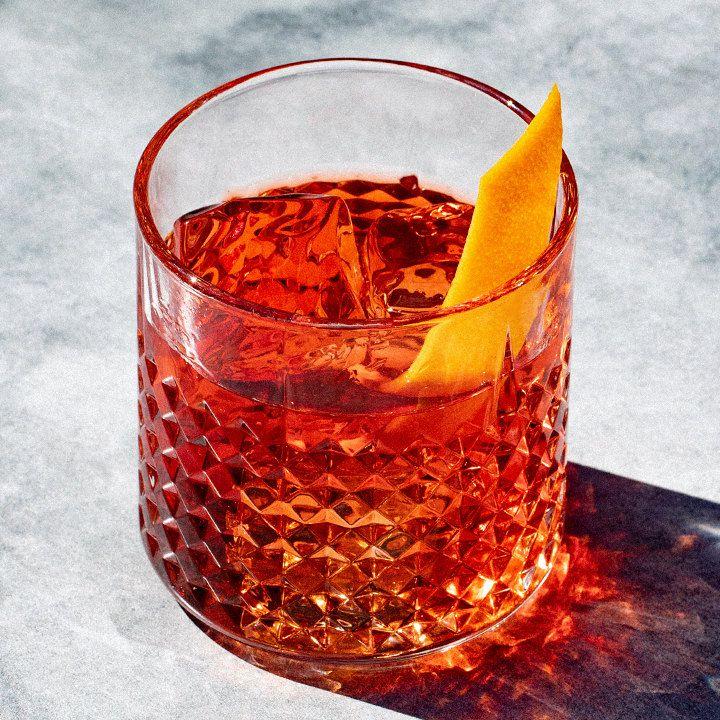 Hwayo Negroni cocktail