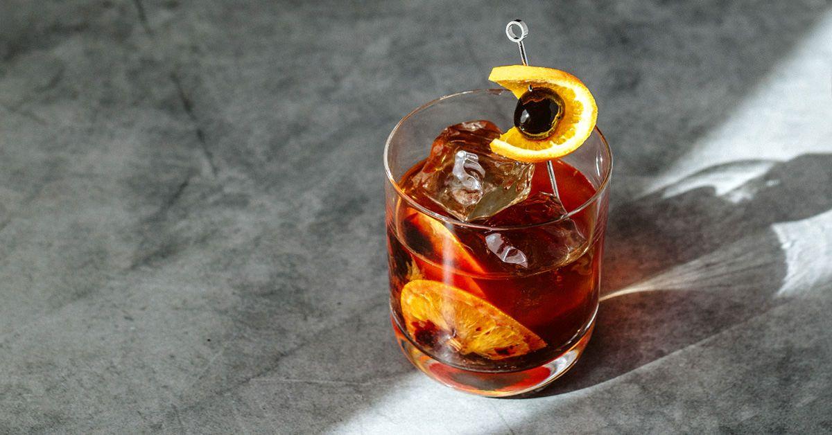 www.liquor.com