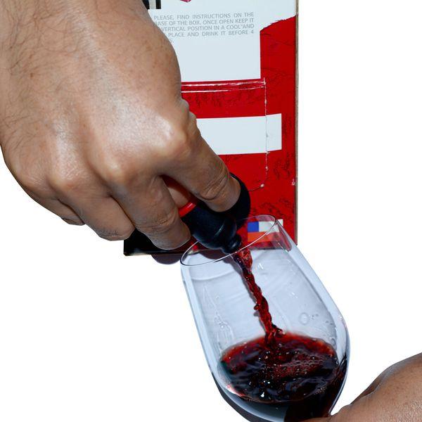 box wine pour