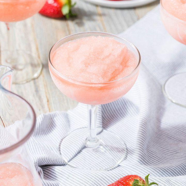 Frosé cocktail