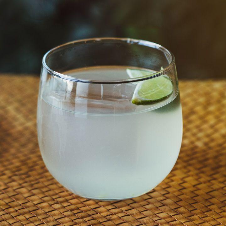 Canchánchara cocktail