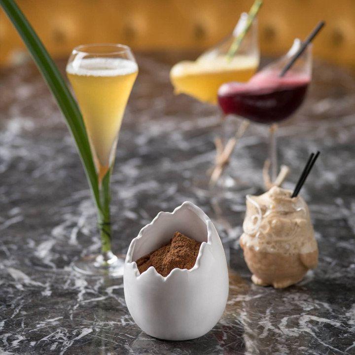 Cocktails at The Envoy at The Pottinger Hotel