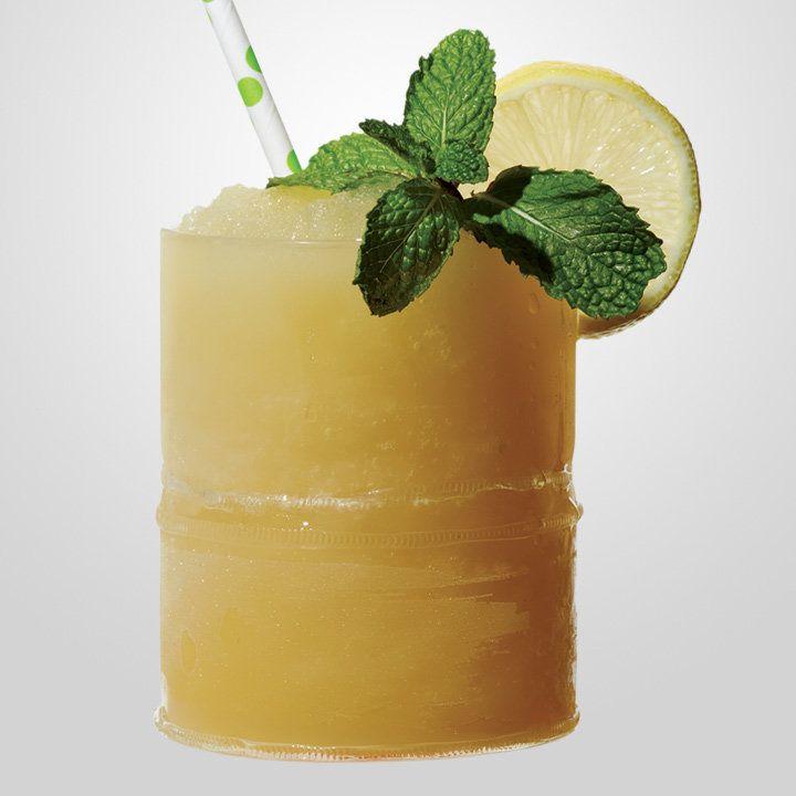 Whiskey Smashed cocktail