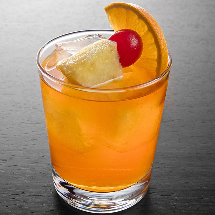 8 Easy Rum Drinks To Make At Home
